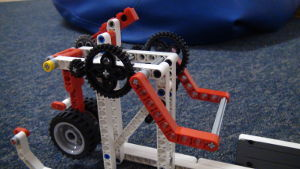 Image for Heavy lifting with a detachable LEGO Mindstorms attachment