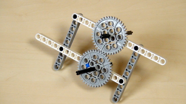 Image for Improving FLL Robot Game. Driving the scissors mechanism. Change gear orientation