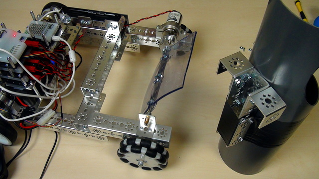Image for Tetrix FTC. How to attach the ball storing pipe to the robot