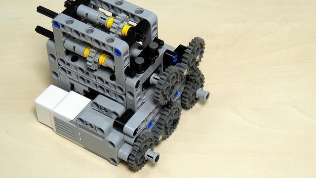 Image for Multi-axles, many-directional LEGO Mindstorms mechanism. Worm Gears. Part 2