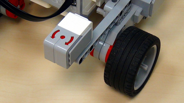 Image for EV3 basics course. Gyro Sensor. Why is the robot turning to a different angle (part 2)