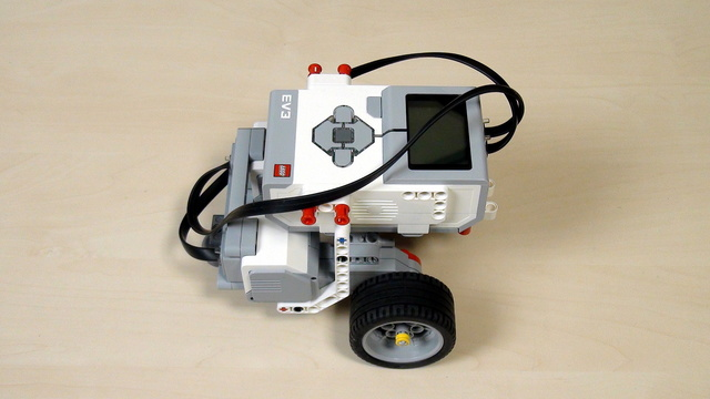 Image for EV3 Phi. Building Castor Bot. Intro