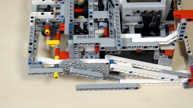Image for Improving FLL Robot Game. Durability of a LEGO robot construction