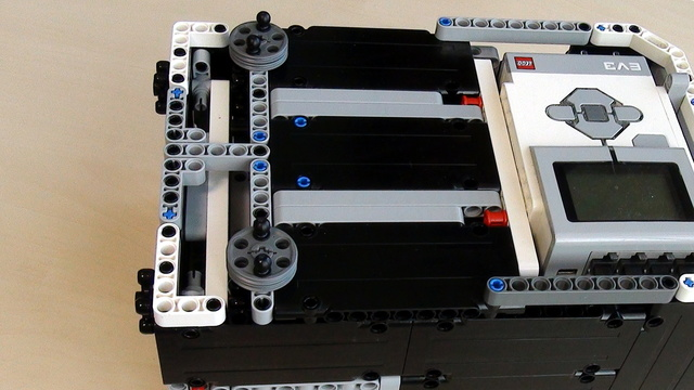Preview for Box Robot for Robotics Competitions. Align and Add attachments