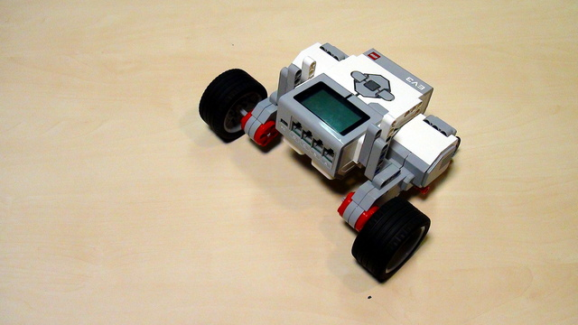 Image for EV3 Phi. Task for fixing the EasyBot robot construction