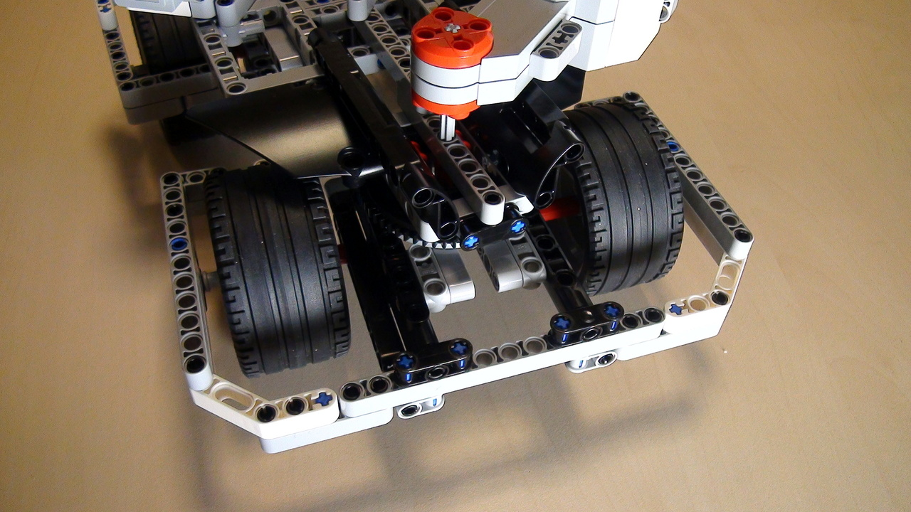 Image for Positioning motors on BigDaddy Competition Robot - second ;try