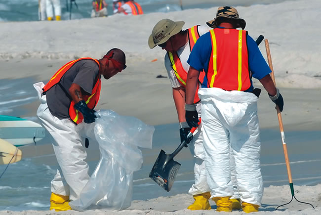 Pensacola Spill Workers