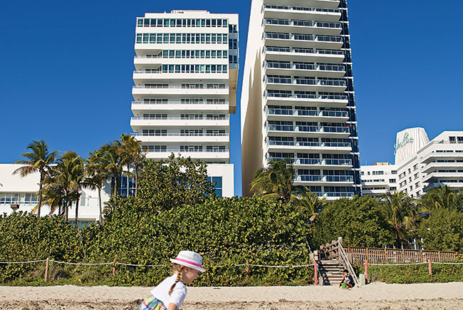 The 'Spite Wall' between the Fontainbleau and the Eden Roc in Miami Beach