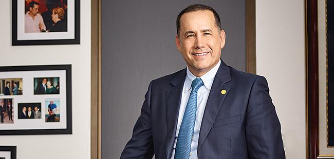 Miami Beach's mayor has an entrepreneurial touch