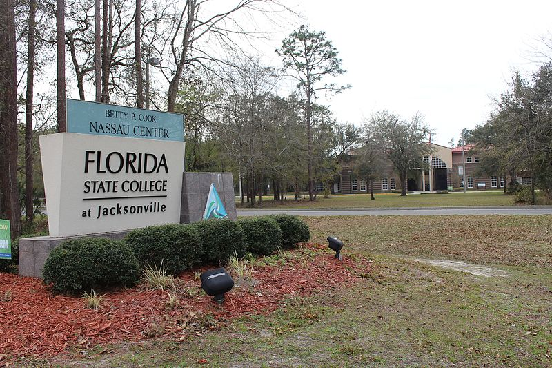 Florida looks to boost college-to-university pipeline