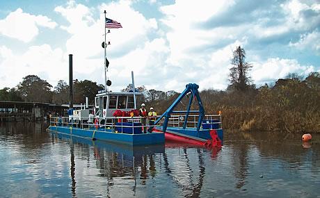 Cavache dredge boat
