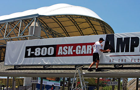 1-800-ASK-GARY Ampitheatre