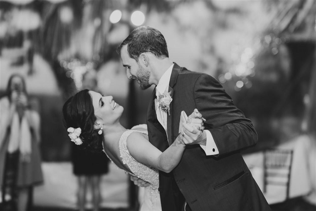 bride dips groom at greenville country club wedding