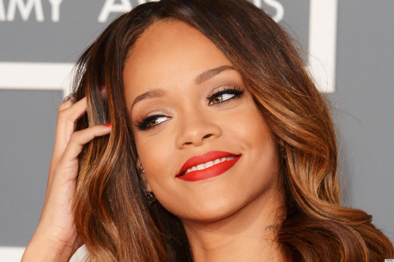 Rihanna Hearts Mac Campaign 2013