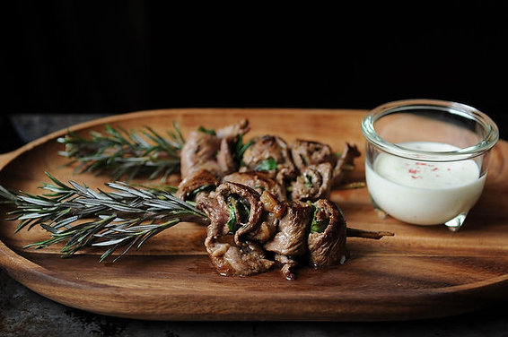 Herbed Beef Skewers with Horseradish Cream