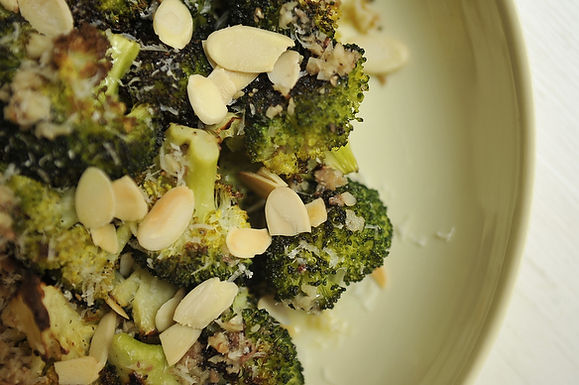 Roasted Bagna Cauda Broccolli