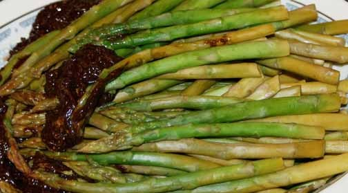 Chocolate-dipped_asparagus--b