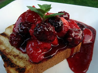 Grilled_poundcake_with_balsamic_berries