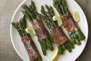 Easy Everyday: Prosciutto-Wrapped Asparagus