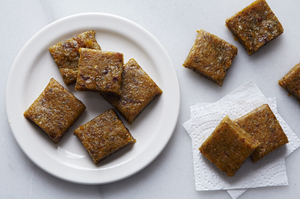 Easy Everyday: Hempseed Apricot Chews