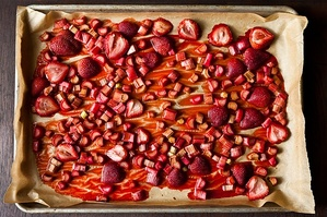Easy Everyday: Roasted Rhubarb and Strawberries