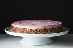 The New Veganism: Raw Cashew Cheesecake