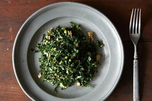 Easy Everyday: Lacinto Kale and Mint Salad with Spicy Peanut Dressing