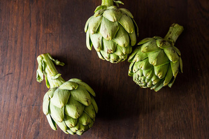 Easy Everyday: Baked Artichokes Stuffed with Red Quinoa