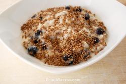 blueberry egg white oatmeal with flax seeds