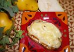 Buttery Brie and Pear Bites Recipe