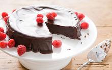 Flourless Chocolate Cake with Dark Chocolate Glaze Recipe