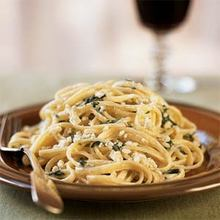 Linguine and Spinach with Gorgonzola Sauce Recipe