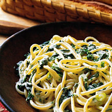 Spaghetti with Creamy Spinach and Tarragon Recipe