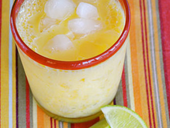 Mango-smoothie-ck-709824-l