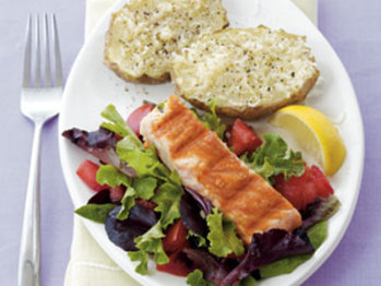 Salmon-parmesan-potatoes-1991051-l