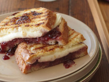 Mozzarella-raspberry-brown-sugar-panini-300x300