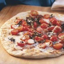 Pizza with Bacon and Tomatoes Recipe