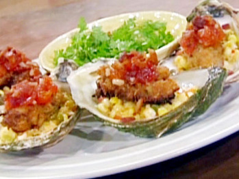 0044023f5_panneed-oysters-wth-sweet-corn-maque-choux-tomato-jam-and-crispy-bacon_s4x3_lg