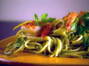 Ei1b01_spaghetti_pesto_shrimp2_lg