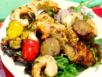 0044204f4_grilled-shrimp-and-andouille-salad-with-sugarcane-vinaigrette_s4x3_lg