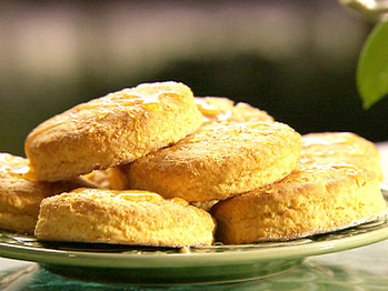 Pa0710_sweet_potato_biscuits_2_lg