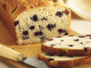 Bisquick_blueberry-banana-bread_lg