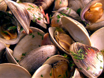 Rm0615_clams-with-pancetta-and-scallions_lg