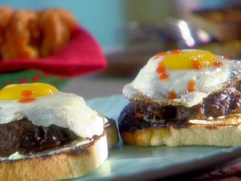 Re0709_sunny-side-up-burger_s4x3_lg