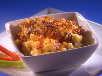 Urs_buffalo-chicken-mac-and-cheese_s4x3_lg