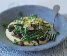 Polenta with Green Beans, Mushrooms, Peas, and Leeks Recipe