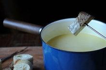 Traditional Fondue Fribourgeois - Legendary and Original Recipe