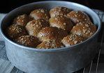 Heavenly Oatmeal-Molasses Rolls Recipe