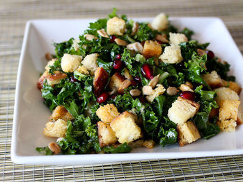 Kale_bread_salad