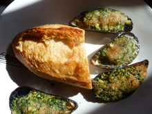 Mussels with Snail Butter ~ Moules a l'Escargot Recipe